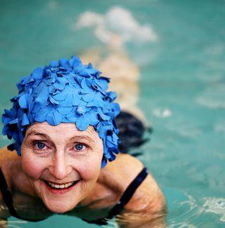 Self-management_senior_swimming
